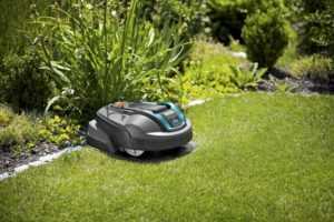 Робот газонокосилка - модели и советы по выбору