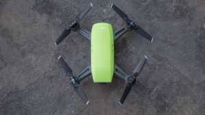 Обзор квадрокоптера DJI Spark: маленький дрон для прогулок и селфи