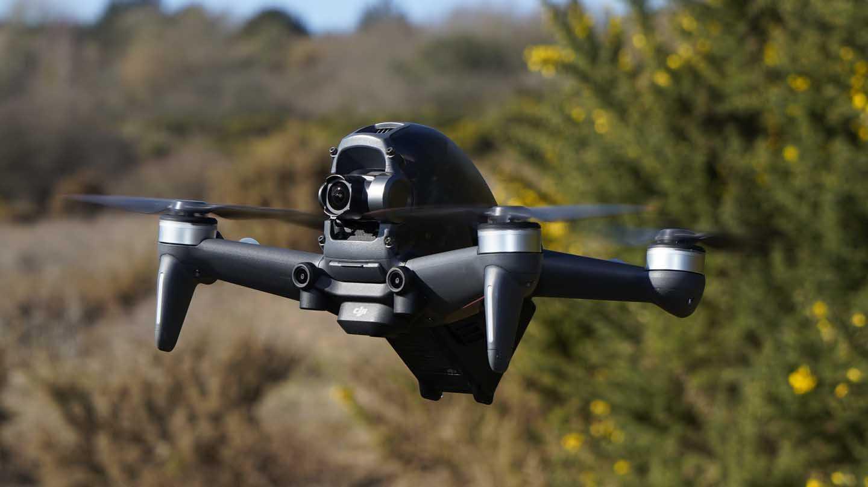 Обзор квадрокоптера DJI Phantom 4: мне бы в небо / Умные вещи